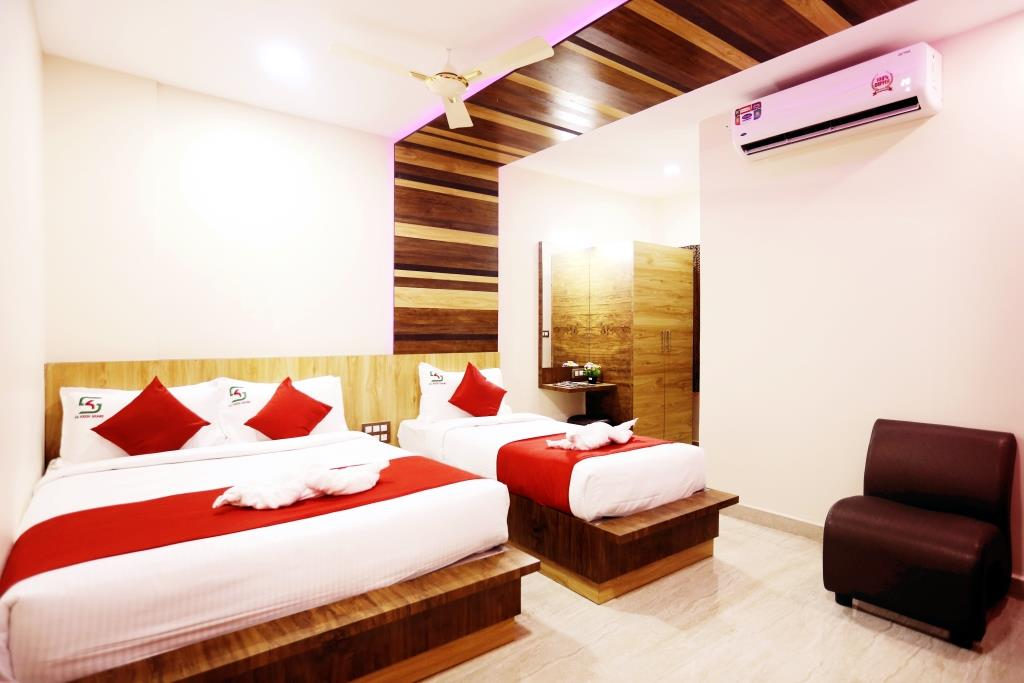 PREMIUM TRIPLE BEDDED ROOM